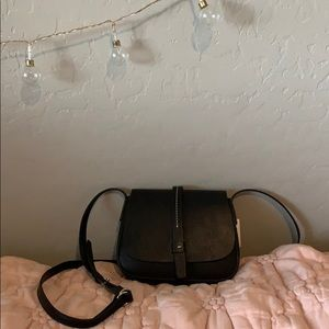 Gap crossbody purse
